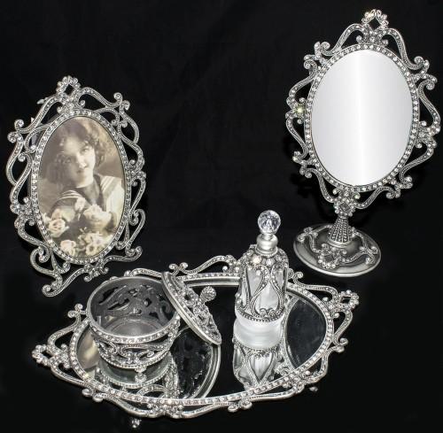 Dematex Kristal Taşlarla Süslü 6 Parça Çeyiz Seti